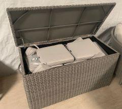 Valencia Cushion Box
